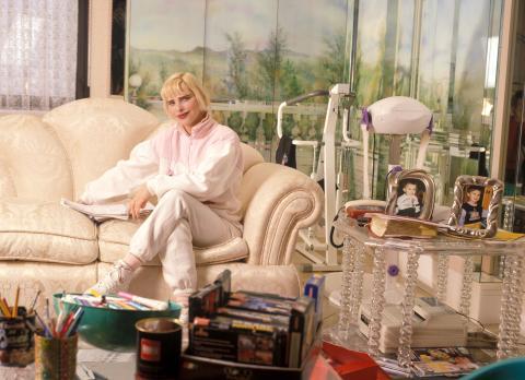 Cicciolina nel suo appartamento a Roma. 1998