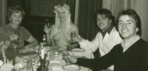 Cicciolina in Ungheria 1979 in un bellissimo foto ricordo